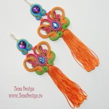 cercei multicolori cu ciucuri portocalii (8)